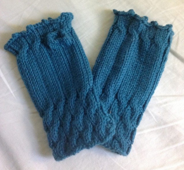 Fetching Mitts - Love the Cables.