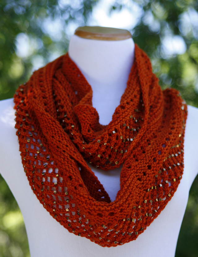Inspired by the layers of rocks and the starry nights of Sedona this pattern is perfect for knitters of all skill levels. Knit in worsted weight yarn, this cowl knits up quickly - optional beads add a bit of sparkle.
